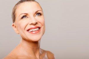 Cómo eliminar las arrugas en ojeras y párpados